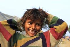 Retrato de una pequeña muchacha inocente pobre Momento del wow Fotografía de archivo