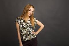 Retrato de una presentación hermosa del adolescente Fotos de archivo