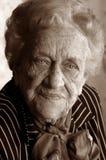 Retrato de una señora mayor Imagen de archivo libre de regalías