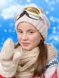 Retrato de una snowboard feliz de la chica joven Fotografía de archivo