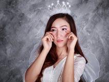 Retrato del ángel gritador de la mujer joven Fotos de archivo libres de regalías