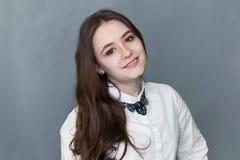 Retrato del adolescente agradable feliz de la colegiala Fotografía de archivo