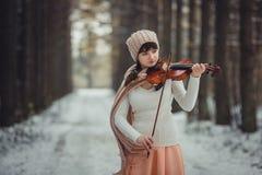 Retrato del adolescente con el violín Imagen de archivo libre de regalías