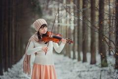 Retrato del adolescente con el violín Imagenes de archivo