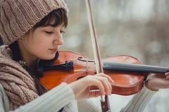 Retrato del adolescente con el violín Fotografía de archivo libre de regalías