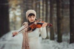 Retrato del adolescente con el violín Fotos de archivo