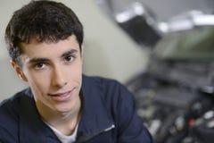 Retrato del adolescente en clase de entrenamiento Fotos de archivo libres de regalías