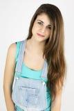 Retrato del adolescente en estudio con el pelo muy largo Fotos de archivo