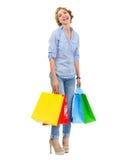 Retrato del adolescente feliz con los bolsos de compras Fotos de archivo libres de regalías
