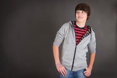 Retrato del adolescente hermoso en ropa casual Fotos de archivo
