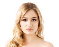 Retrato del adolescente joven y hermoso aislado en blanco Imagenes de archivo