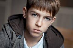 Retrato del adolescente serio en clase Fotografía de archivo