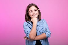Retrato del adolescente sonriente feliz Fotografía de archivo
