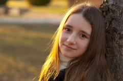 Retrato del adolescente sonriente hermoso Imagen de archivo