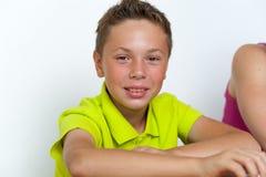 Retrato del alumno sonriente del tween Foto de archivo