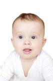 Retrato del bebé agradable de los seis-meses en el fondo blanco Foto de archivo