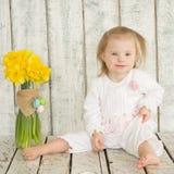 Retrato del bebé alegre con Síndrome de Down Imagen de archivo libre de regalías