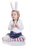 Retrato del bebé con los oídos del conejito Fotos de archivo libres de regalías