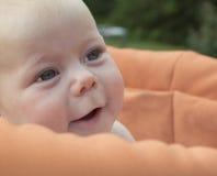 Retrato del bebé de 4 meses. Fotos de archivo libres de regalías