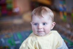 Retrato del bebé lindo de 6 meses Foto de archivo libre de regalías