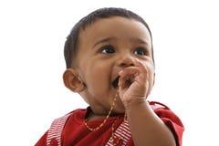 Retrato del bebé indio dulce, pareciendo derecho Imagen de archivo libre de regalías