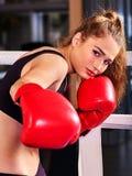 Retrato del boxeo de la muchacha del deporte Imagen de archivo libre de regalías