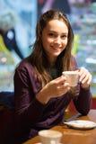 Retrato del brunette hermoso fotografía de archivo libre de regalías