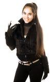 Retrato del brunette joven sonriente en guantes foto de archivo