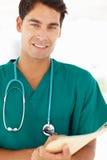 Retrato del doctor de sexo masculino joven Imagen de archivo libre de regalías