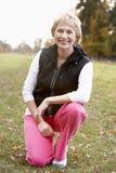 Retrato del ejercicio mayor de la mujer Foto de archivo libre de regalías