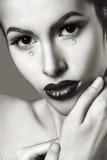 Retrato del encanto del estilo de Vogue de la mujer sensual joven atractiva Foto de archivo libre de regalías
