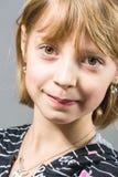 Retrato del estudio de la muchacha hermosa joven Foto de archivo libre de regalías