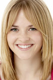 Retrato del estudio del adolescente sonriente Fotos de archivo