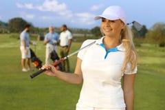 Retrato del golfista bastante de sexo femenino Fotografía de archivo libre de regalías