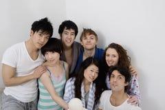 Retrato del grupo de amigos jovenes Imagen de archivo