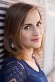 Retrato del Headshot de la chica joven bonita Fotografía de archivo libre de regalías