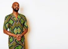 Retrato del hombre africano hermoso joven que lleva nati verde claro Fotografía de archivo libre de regalías