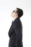 Retrato del hombre asiático aislado y del fondo con la muestra del gesto Foto de archivo
