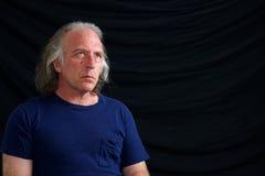 Retrato del hombre blanco hermoso que mira para arriba Imagen de archivo