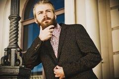 Retrato del hombre de moda hermoso joven Foto de archivo