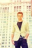 Retrato del hombre de negocios americano joven en Nueva York Foto de archivo