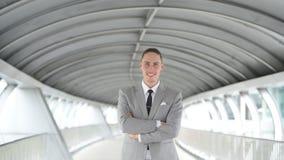 Retrato del hombre de negocios hermoso joven metrajes