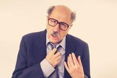 Retrato del hombre de negocios mayor cansado y borracho agotado fotografía de archivo libre de regalías