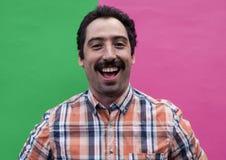Retrato del hombre divertido con el bigote foto de archivo libre de regalías