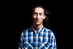 Retrato del hombre fresco joven con los dreadlocks Imagen de archivo libre de regalías