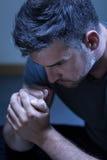 Retrato del hombre joven con la depresión Imagen de archivo