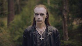 Retrato del hombre pagano Cierre para arriba almacen de metraje de vídeo