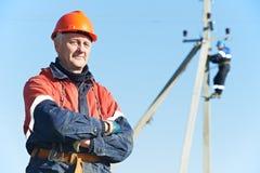 Retrato del instalador de líneas del electricista de la potencia Fotos de archivo libres de regalías