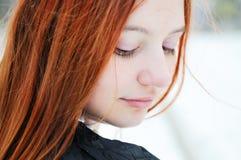 Retrato del invierno de la muchacha hermosa Imagen de archivo libre de regalías