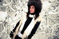Retrato del invierno de la mujer Imagenes de archivo